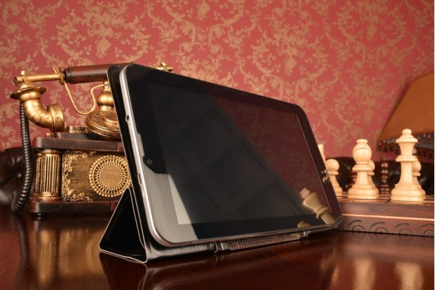 """Чехол с вырезом под камеру для планшета Apple MacBook Air 13 Early 2015 ( MJVE2 / MJVG2) 13.3"""" с дизайном Smart Cover ультратонкий и лёгкий. цвет в ассортименте"""